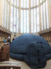 Ancienne abbaye - Français:   Abbaye de Saint-Martin-aux-Bois, située sur la commune de Saint-Martin-Aux-Bois (Oise), à l\'occasion des Journées Européennes du Patrimoine 2018, ici avec un planétarium mobile.