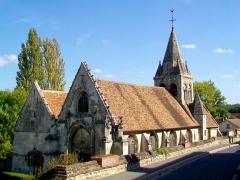 Eglise - Français:   L\'église à double nef Saint-Denis, Saint-Jean-Baptiste.