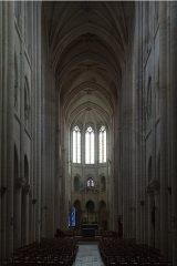 Ancienne cathédrale et son chapître - English:   Vessel of the Our-Lady Cathedral\'s nave, seen from the post-conciliar altar