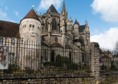 Ancienne cathédrale et son chapître -   Chevet of the Senlis Cathedral, seen from the Street at the Flageards