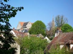 Eglise Saint-Aignan - Français:   La montagne Saint-Aignan, avec au fond la flèche de la cathédrale, vue depuis le boulevard des Ôtages.
