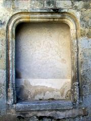 Eglise Saint-Aignan - Français:   Vestige d\'une porte extérieure depuis la première travée du bas-côté sud sur la rue de la Montagne Saint-Aignan, restauré et pour partie reconstitué après sa découverte pendant les années 1980.