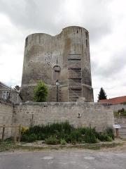 Donjon - English: Ambleny (Aisne) la tour