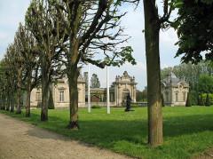 Château de Blérancourt, ancien château des Ducs de Gesvres, actuellement Musée national de la coopération franco-américaine ou Musée national des Deux-Guerres - Nederlands: Blérancourt (departement Aisne, Frankrijk): het kasteel
