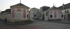 Ancien couvent des Capucins - Français:   L\'entrée (classée MH) du Collège Jean Racine à Château-Thierry, Aisne.