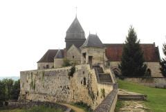 Eglise - English: Coucy-le-Château-Auffrique, fortress and church Saint-Sauveur