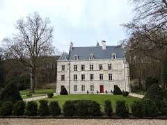 Ancien prieuré de Longpré - Français:   Ce château fut la résidence d\'Alexandre Dumas