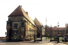 Ancien évéché et chapelle - English: Laon, Tribunal de Grande Instance