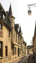 Maison dite le Petit-Saint-Nicolas, actuellement Direction départementale des Contributions indirectes - English: Laon, house Petit-Saint-Nicolas