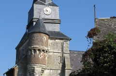 Eglise - This building is indexed in the Base Mérimée, a database of architectural heritage maintained by the French Ministry of Culture,under the reference PA00115798 .