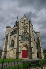 Eglise Saint-Julien et Saint-Jean-Baptiste - Français:   Façade de l\'église Saint Julien et Saint Jean-Baptiste