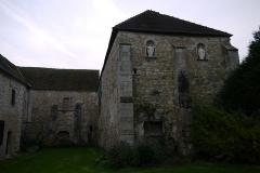 Prévôté de Favières - Français:   Petite cour intérieure.