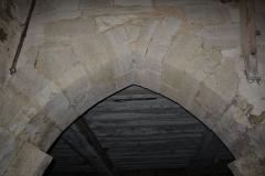 Prévôté de Favières - Français:   Détail d\'un portail sous la halle de l\'aile ouest.