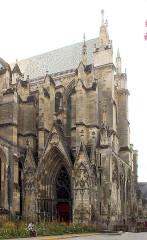 Cathédrale Saint-Gervais et Saint-Protais - English: Soissons, the cathedral Saint-Gervais-et-Saint-Protais, northern side