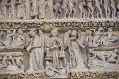 Cathédrale Notre-Dame - Amiens tympan central detail 02