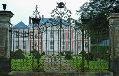 Château -  Brailly-Cornehotte (Somme, France).   Le château.
