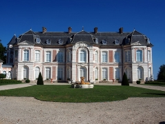 Château de Long - English: Chateau de Long, XVIIIe siècle in the Somme departement and Picardie region