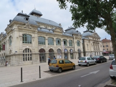 Théâtre - This building is indexed in the Base Mérimée, a database of architectural heritage maintained by the French Ministry of Culture, under the reference PA00116346 .
