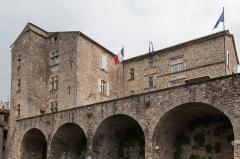 Eglise Saint-Pierre - English:  Castle