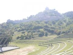 Château de Crussol (ruines) - Photographie prise sur le site des ruines du château de Crussol, dans l'Ardèche.