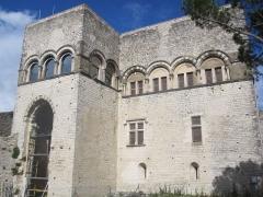 Château des Adhémar ou des Papes - Français:   Logis seigneurial du château des Adhémar à Montélimar