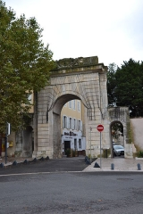 Porte Saint-Martin - Français:   Montélimar (Drôme, France), la porte Saint-Martin