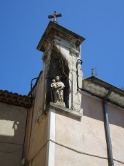 Maison -  Saint-Paul-Trois-Châteaux (Drome, France), house built in 1825, whose statue of the Virgin and its niche are classified as a Historical Monument.