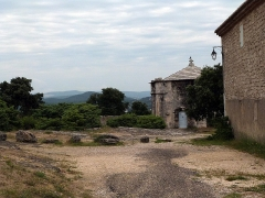 Chapelle funéraire (ruines) -  Saint-Restitut: Chapelle du Saint-Sépulcre