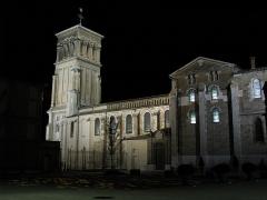Cathédrale Saint-Apollinaire - Français:   Cathédrale Saint-Apollinaire de Valence, de nuit