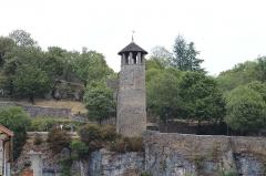 Tour de l'Horloge et tour carrée Saint-Hippolyte - Français:   Tour de l\'Horloge à Crémieu.