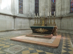 Eglise Saint-Maurice, anciennement cathédrale -  Vienne (Isère, France), cathédrale saint Maurice, maître-autel en marbre, dit