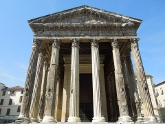 Temple d'Auguste et de Livie - This building is indexed in the Base Mérimée, a database of architectural heritage maintained by the French Ministry of Culture,under the reference PA00117348 .