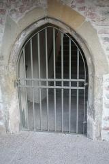 Couvent des Cordeliers (vestiges de l'ancien) - Français:   Moirans (Isère) - Porte de l\'ancien couvent des Cordeliers.