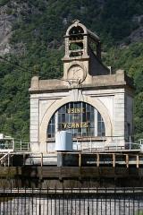 Centrale hydroélectrique des Vernes - English:  Hydroelectric power plant of