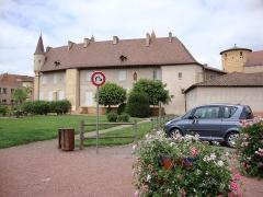 Abbaye de Charlieu - English: Charlieu (Loire, Fr), l'abbaye avec tour aux moines