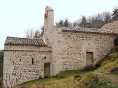 Chapelle Saint-Etienne - Français:   Essertines-en-Châtelneuf, côté nord de la chapelle Saint-Étienne d\'Essertines basse
