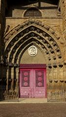 Grand'Eglise ou Eglise Saint-Etienne - Porche de l'église Saint Laurent et Saint-Etienne dite