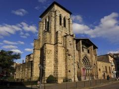 Grand'Eglise ou Eglise Saint-Etienne - Vue d'angle de l'église Saint Laurent et Saint-Etienne dite