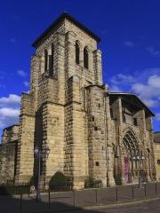 Grand'Eglise ou Eglise Saint-Etienne - Vue du clocher de l'église Saint Laurent et Saint-Etienne dite
