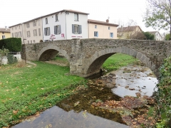 Pont (vieux) - Français:   Pont vieux de Brignais (Rhône, France).