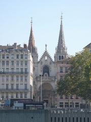 Eglise Saint-Nizier - Façade de l'église Saint-Nizier de Lyon vue par quai Rolland.