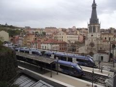 Eglise Saint-Paul - Nederlands: Station Lyon Saint-Paul van bovenaf gezien met X 73500 autorails