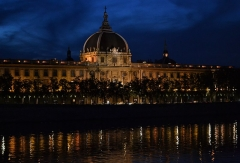 Hôtel-Dieu - English:   Hôtel-Dieu of Lyon, presenting the cool waters of the river Rhône with its glimmering shadow