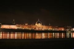 Hôtel-Dieu - Français:   Hôtel-Dieu vu du quai Victor Augagneur