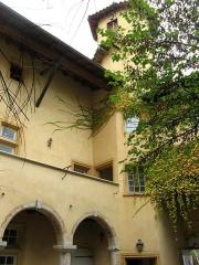 Immeuble Le Castel - Français:   Immeuble Le Castel, 23 rue Voltaire (Classé, 1983)