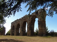 Aqueduc dit du Plat de l'Air - English: L'aqueduc du Gier fut un des nombreux aqueducs qui desservaient la ville de Lugdunum pendant l'antiquité.