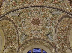 Palais du Casino dit du Grand Cercle, ancien Palais de Savoie - English: Sight of the mosaic vaulted ceiling of the theather entrance hall, in the Palais de Savoie (current Casino Grand Cercle), in Aix-les-Bains, Savoie, France.