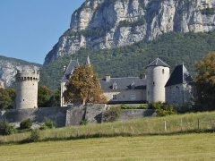 Château de la Batie - English: Château de la Bâtie castle, in Barby on the heights of Chambéry, in Savoie, France.