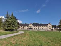 Centre hospitalier specialisé - English: Sight of the ferme de Bressieux old farm, at the foot of Les Monts hill, in Bassens near Chambéry, in Savoie, France.