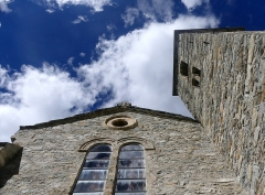Eglise - English: Sight of the tops of Notre-Dame de l'Assomption church and its bell tower, in Bonneval-sur-Arc, Savoie, France.